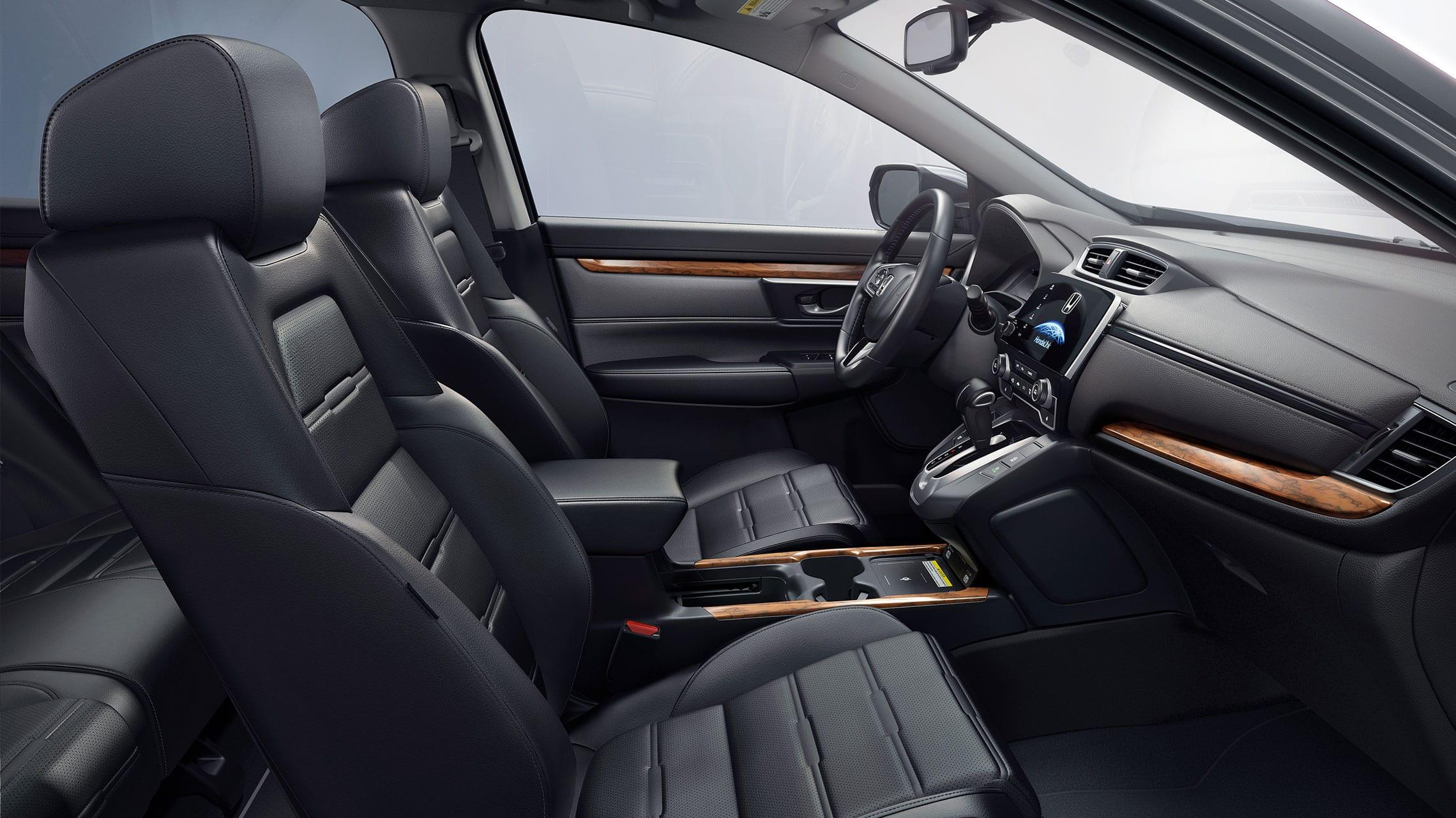 Vista del interior de la Honda CR-V Touring2020 con Black Leather.