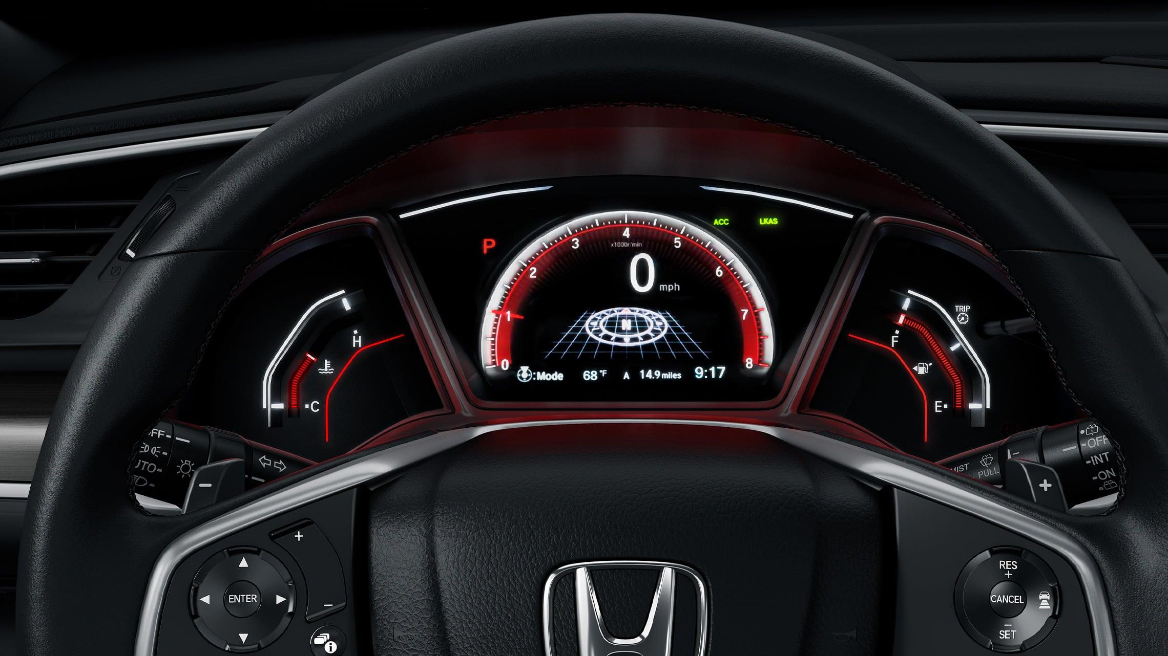 Vista interior del volante y el tablero del Honda Civic Sport Touring Hatchback 2021 con cuero Black.