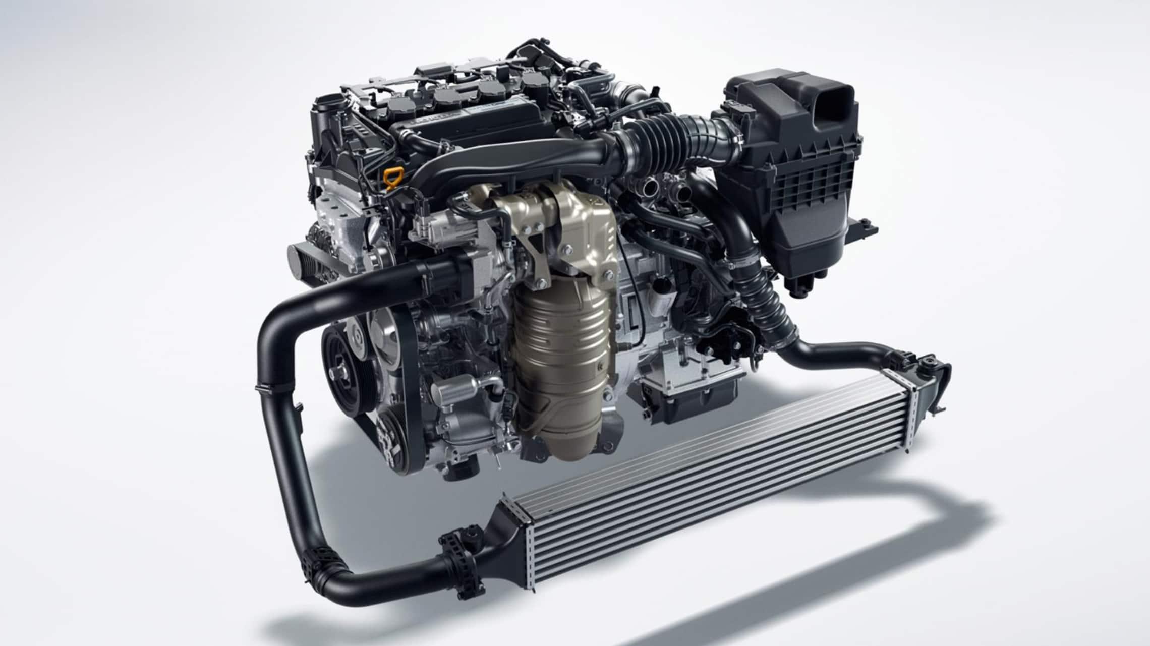 Detalle del motor turboalimentado de 1.5litros en el Honda Civic Hatchback2021.