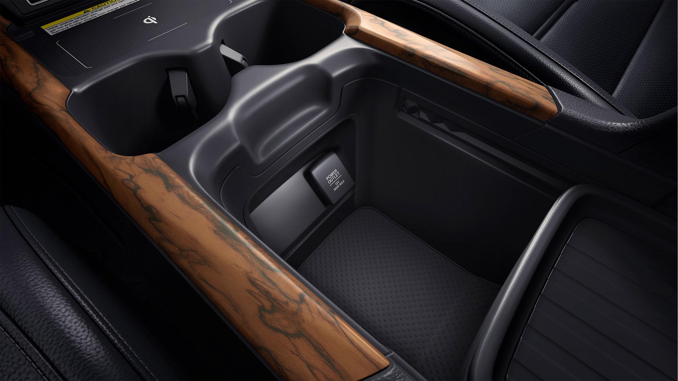 Detalle del almacenamiento en la consola central personalizable de la Honda CR-V2021 con interior en Gray Leather.