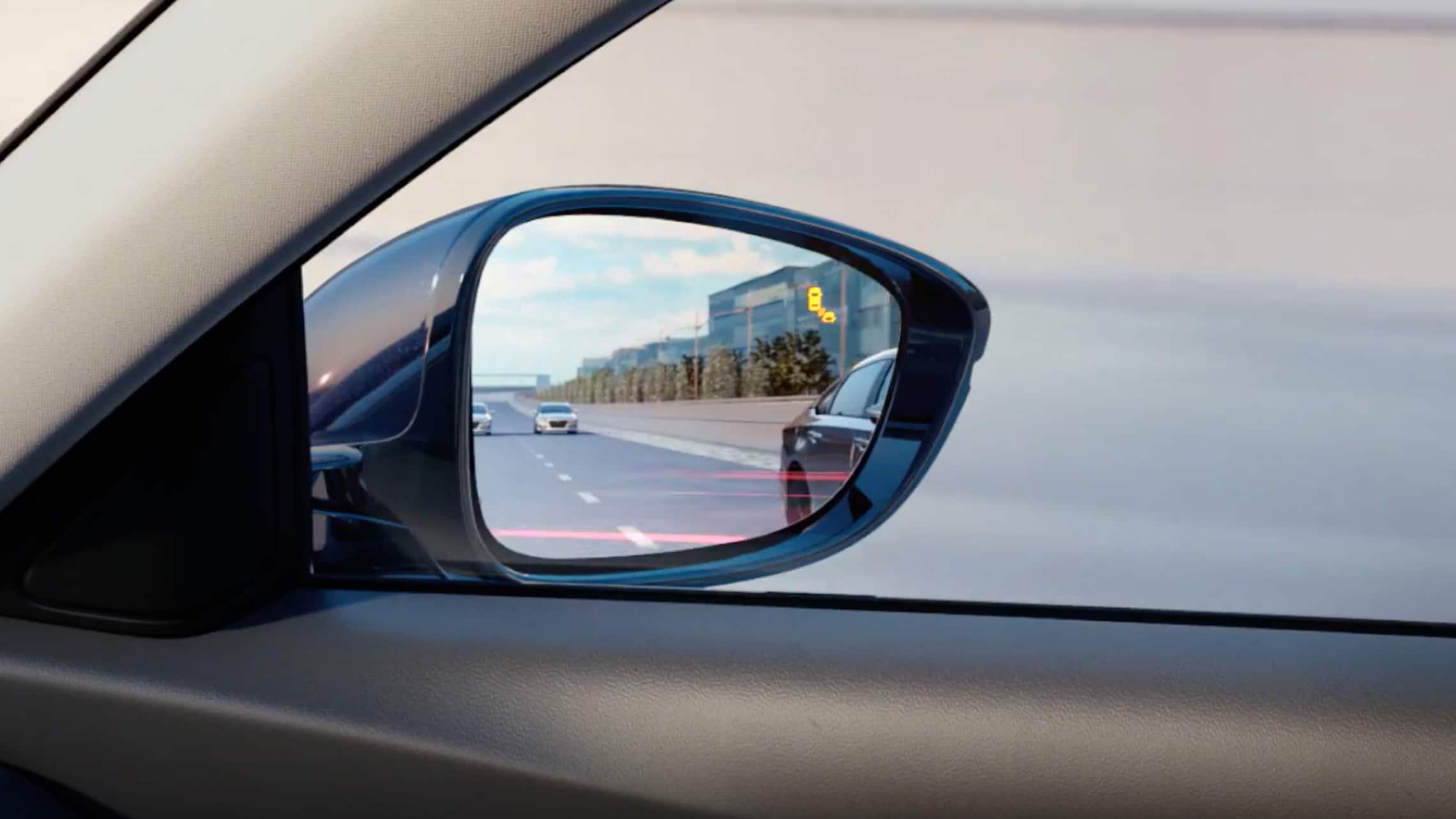 Detalle del indicador del sistema de información de puntos ciegos en el espejo lateral del HondaAccord2020.